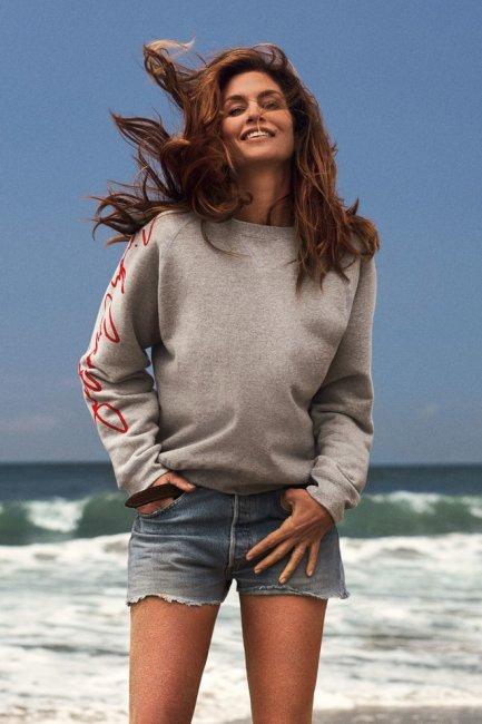 Новые джинсы от Синди Кроуфорд