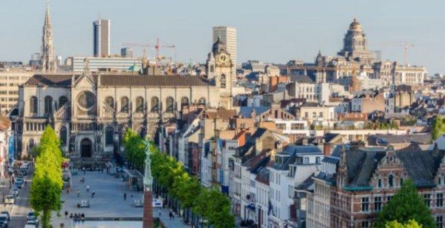 Расписание прямых рейсов в Брюссель - увлекательное путешествие для двоих
