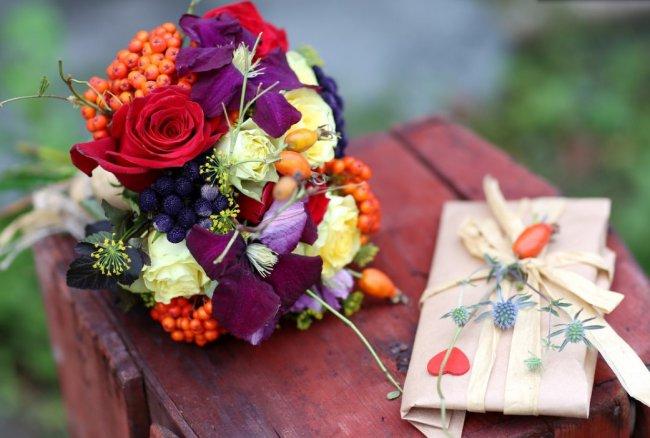 В чём преимущества доставки цветов в СПб? 3