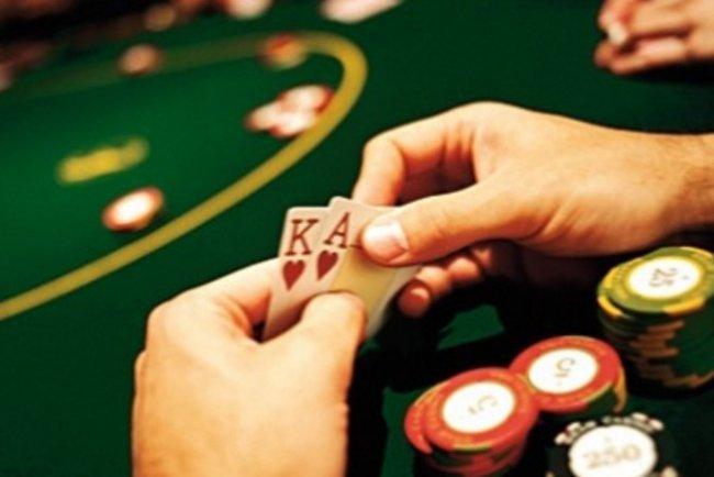 Покер – где насладиться игрой и получить эмоции?