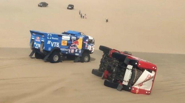 Марафон в Саудовской Аравии - экипаж «КамАЗ-мастер» потерял лидерство на ралли «Дакар»