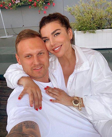 Новыq муж Анны Седоковой