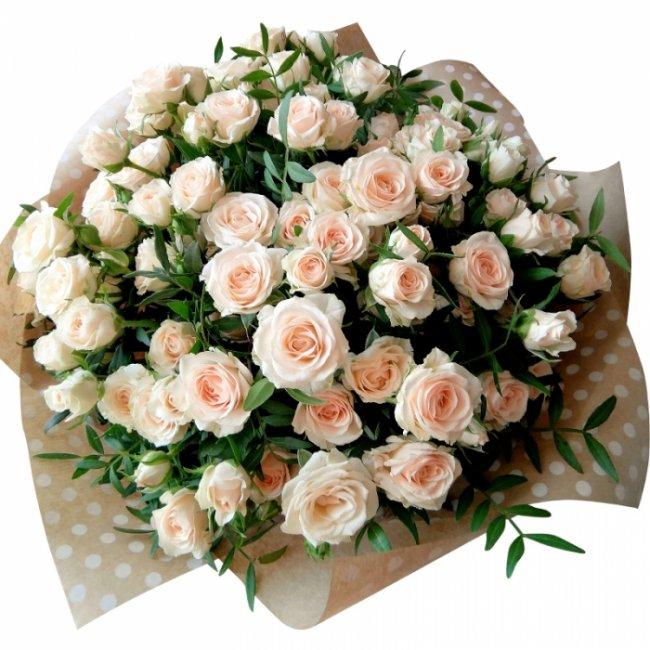 Разнообразие букетов из кустовых роз?